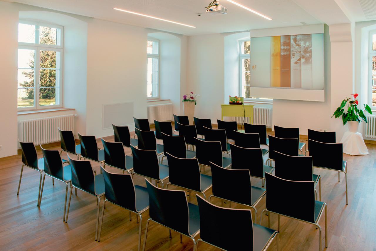 w-dienstleistungen-raummiete-seminarraum-gastronomieangebot-neuhof